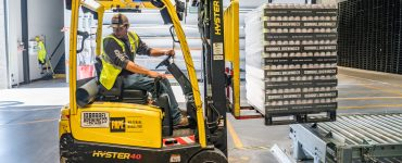 hire the right warehousing staff